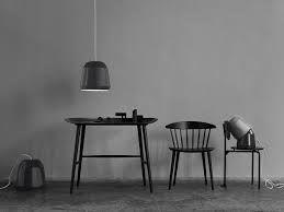 zwarte stoel met spijltjes baekmark (HAY)