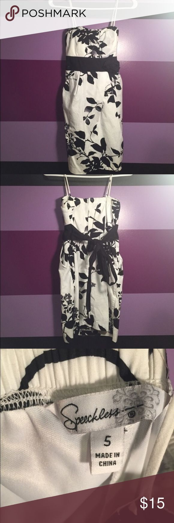 Black and White Floral Mini Dress Super cute, never worn! Bought it and it was too small. Speechless Dresses Mini