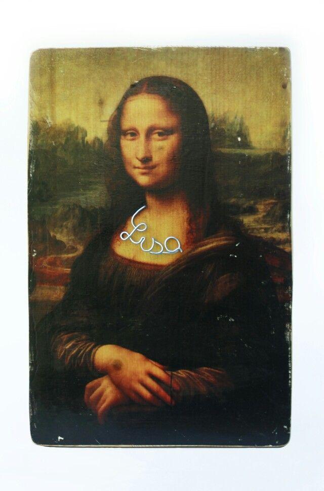 Fashion Lisa | 40 X 30 X 1.5 cm | printed wood & galvanized wire | contact: artbending@gmail.com |  Photo credit: Paula Gecan