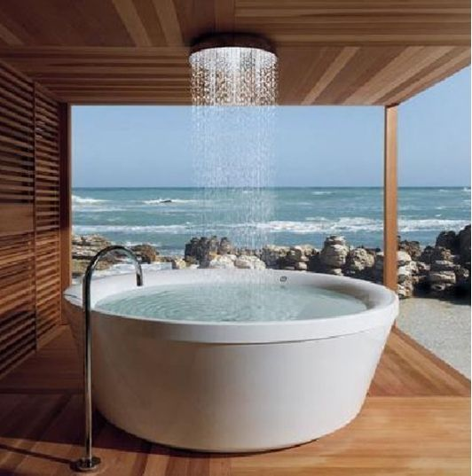 Awesome Outdoor Bathtub