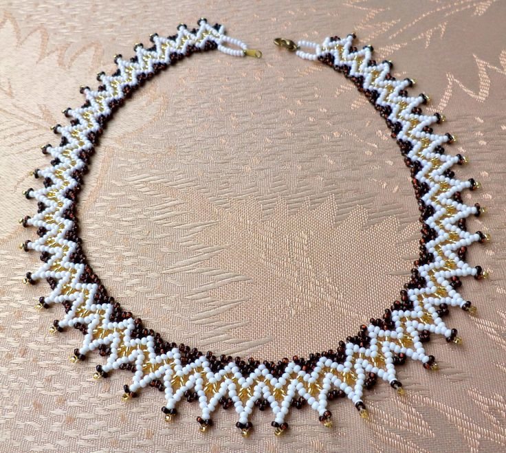 Free pattern for necklace Teresa
