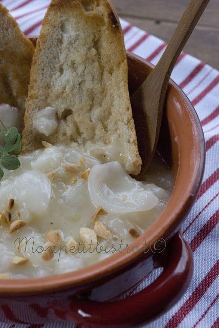 Mon petit bistro: Soup a'l'onion or French onion soup