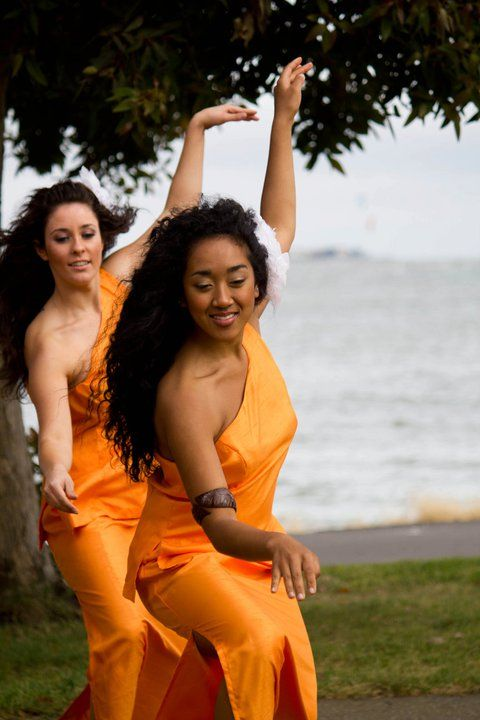 Samoan woman doing siva
