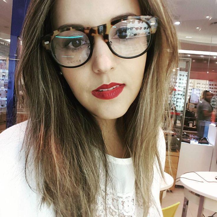 """222 curtidas, 17 comentários - Camila Gomes (@blogsenhorita) no Instagram: """"Sou miope, uso lente mas não fico o tempo todo porque cansa demais, irrita o olho. No dia que fui a…"""""""