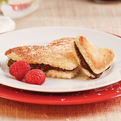 Grilled Chocolate Sweetheart -     Take the gift of chocolate to a whole new level with this tasty Valentine offering.: Holiday, Chocolate Desserts, Chocolates, Valentines Day, Grilled Cheese, Chocolate Sweetheart, Sweetheart Recipe, Grilled Chocolate, Valentine S