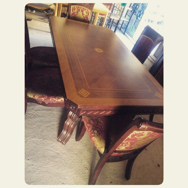 For Sale Classic Dining Table For 6 Person Good Condation Price 60 Bd للبيع طاولة طعام كلاسك بحالة ممتازة السعر 60 Bd Dining Table Decor Home Decor
