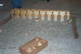 Foto Arrangement Volksspel: bollen door den uil