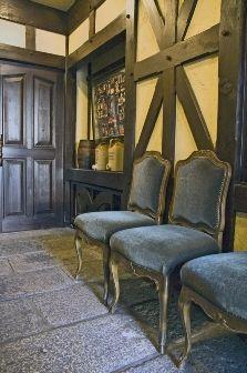 love the Tudor style