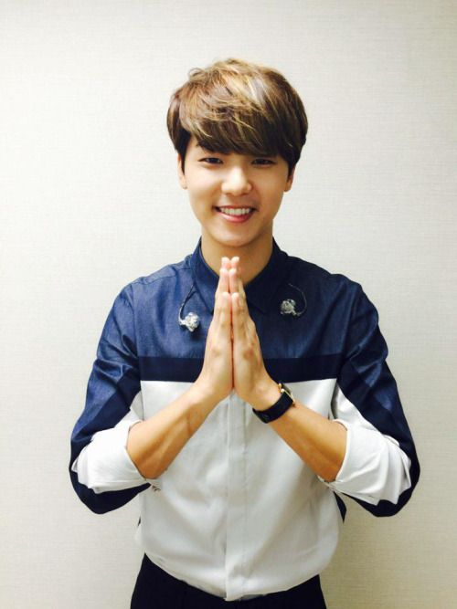 150725 CN_FANCLUB Twitter Update: [Eng Trans] @CN_FANCLUB: #강민혁 1st FanMeeting 2015 'The Moment' in Thailand was very memorable. Thank you Thai BOICE -->{trustingravity}