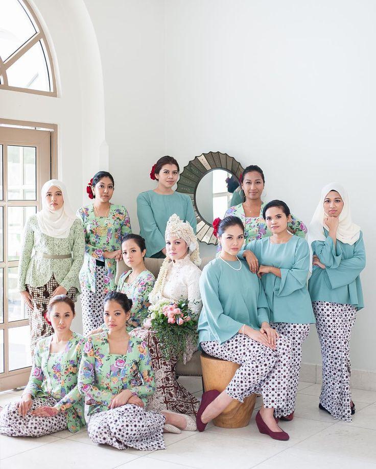 Solemnization : Fareez Hiba Kebaya & batik by @batikabyhudaa #adventuresofbabaandbatman #_thev #bridesmaids by _thev