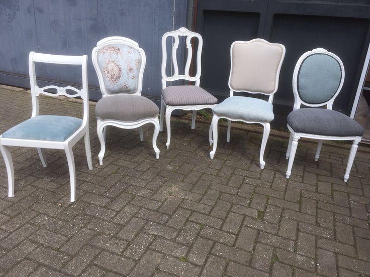 Diverse modellen stoelen opnieuw gestoffeerd. Kleur combinaties in overleg met opdrachtgever. Zowel particulier als zakelijk mogelijk. Vraag vrijblijvend naar de mogelijkheden.