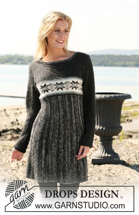 """DROPS dress in """"Alpaca"""" and """"Fabel"""" with star pattern border. Size S - XXL. ~ DROPS Design"""