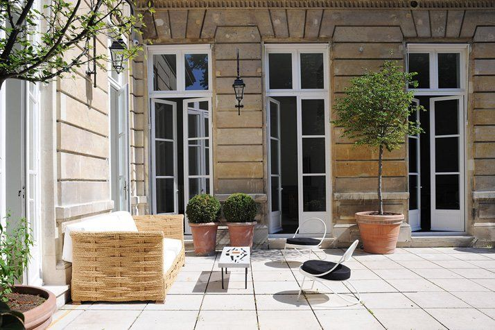 A Private Apartment by Joseph Dirand In Saint-Germain-des-Prés, Paris, France | Yatzer