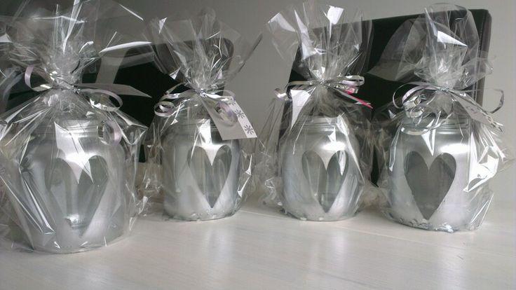 Glazen potjes met spuitverf