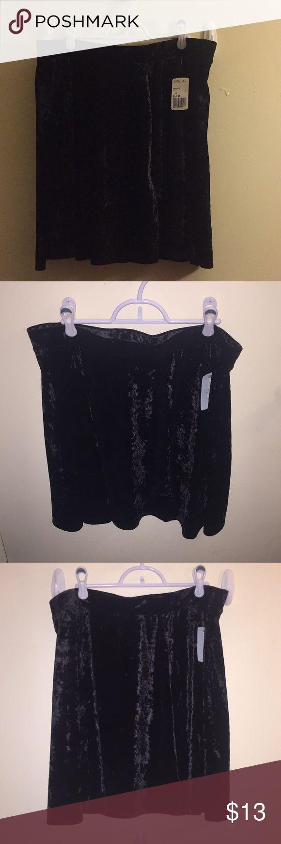 Forever 21 Plus - Black Velvet Skater Skirt Never been worn and still contains tag. Skirt is a soft velvet fabric, flows in the style of skater skirt. Forever 21 Skirts Mini