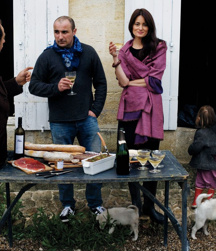 Follow Manger blogger Mimi Thorisson's tips for how to throw a picture-perfect French farmhouse dinner, sans stress