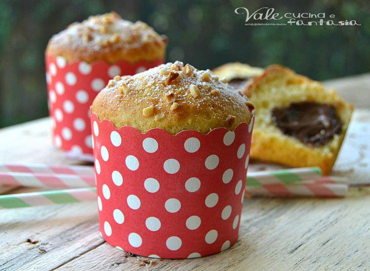 Muffin allo yogurt con cuore alla nutella, soffici e golosi ideali per colazione e la merenda i vostri bambini ne saranno felici