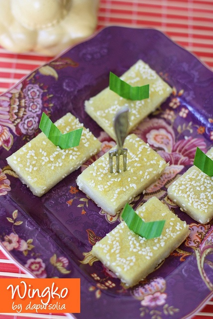 Wingko is Indonesian traditional snack made from tapioca starch, sticky rice flour, grated coconut, coconut milk, egg, sugar and salt.