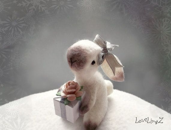 Felt bunny girl with gift hand stitched miniature от LoveLingZ