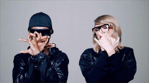 "shake it off music video gifs | Taylor Swift's 'Shake It Off' Music Video Is ""Utterly Color ..."