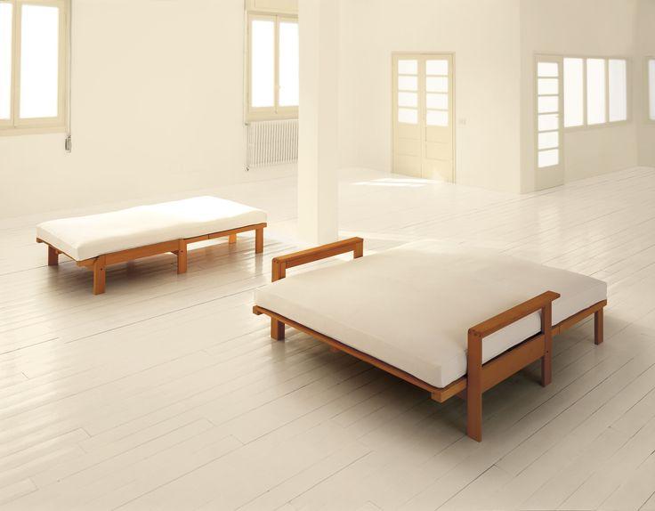 Divano-letto SESAMO aperto diventa un letto matrimoniale http://www.onfuton.com/portfolio_item/sesamo/