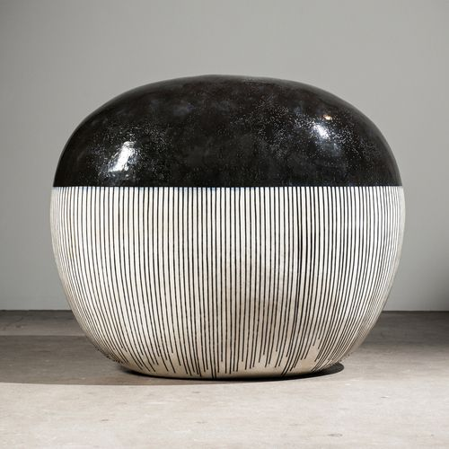 Jun Kaneko Black and White ceramics exhibition at Bentley Gallery: