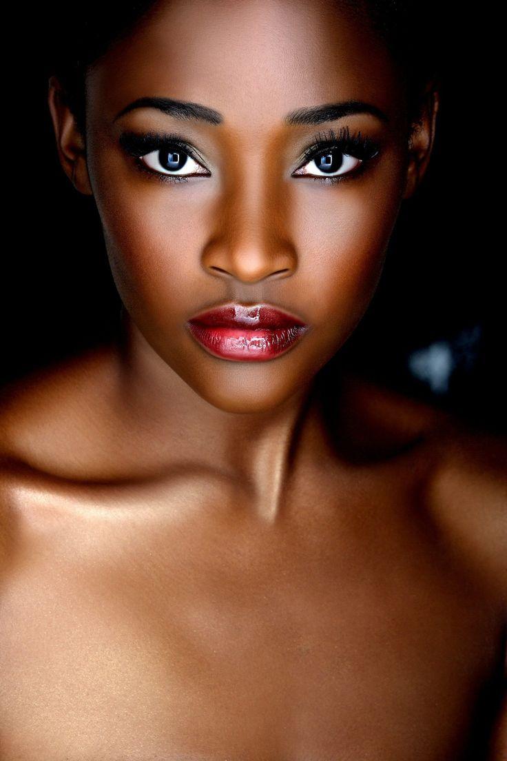 Beautiful wedding makeup for dark skin tone; Hannah Osunsina