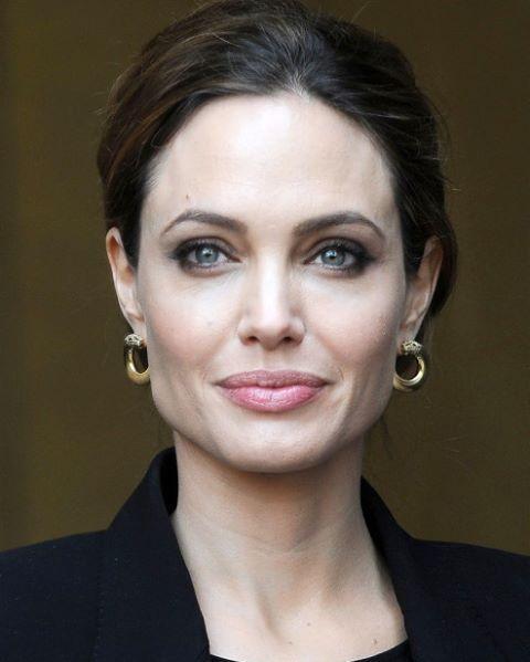 Angelina Jolie #AngelinaJolie