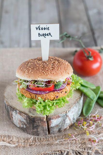 Katie's Happy Clouds: Wegetariański burger z ciecierzycy i nie tylko