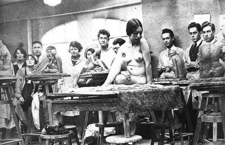 Sculpture class at Otis Art Institute, 1924.