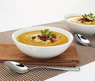 Gosta de uma boa sopa quente? #Sopa_de_abóbora_e_batata_doce #sopa #abóbora #batatadoce #receitas #outono #aconchegante