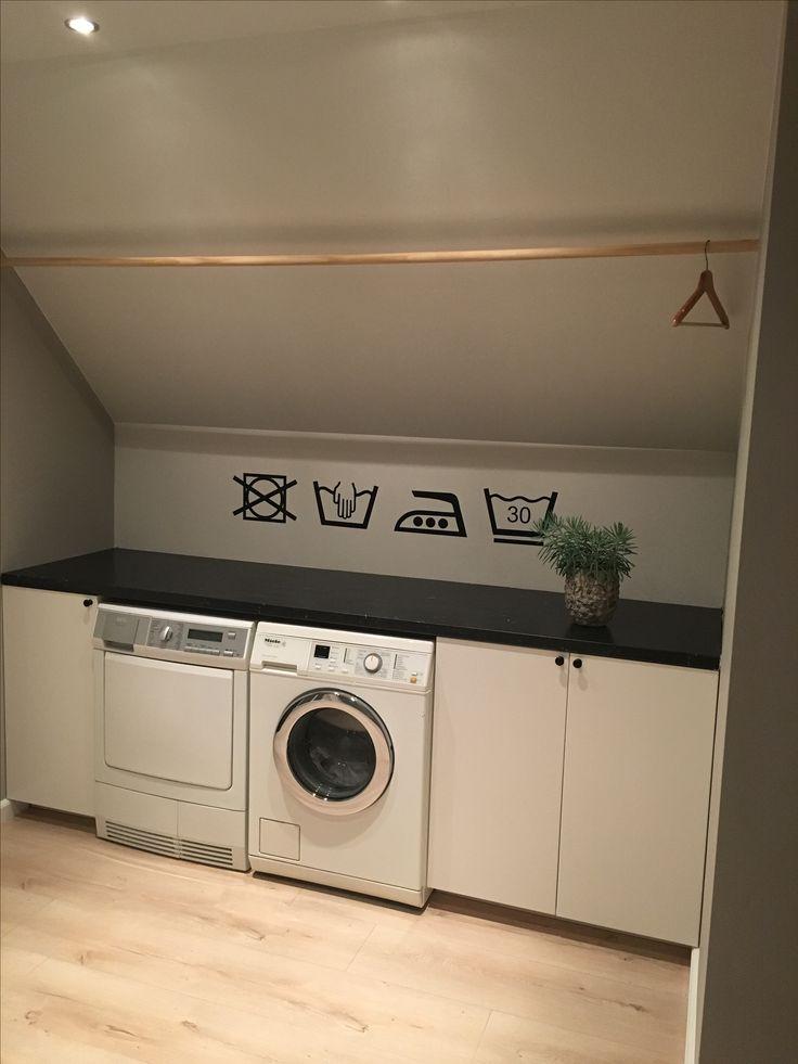 Washok. Kastjes en aanrechtblad van Ikea. Was-sjablonen zijn interieur stickers