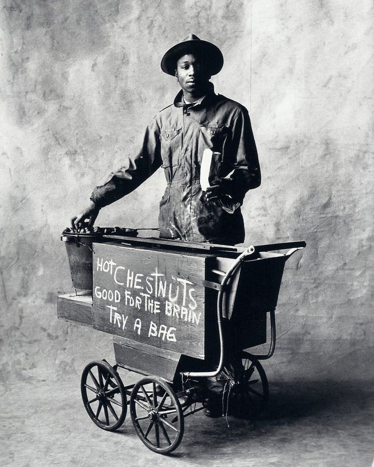 Irving Penn - Chesnut Vendor, New York, 1951. S)