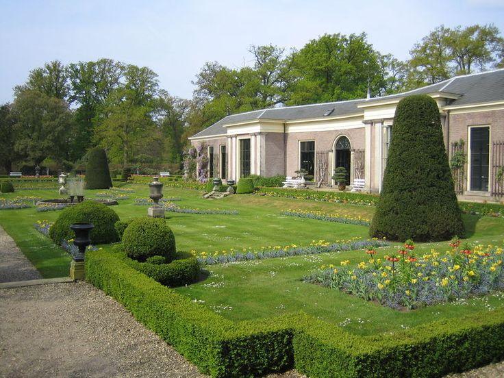 Formele tuin en Oranjerie van Kasteel Twickel
