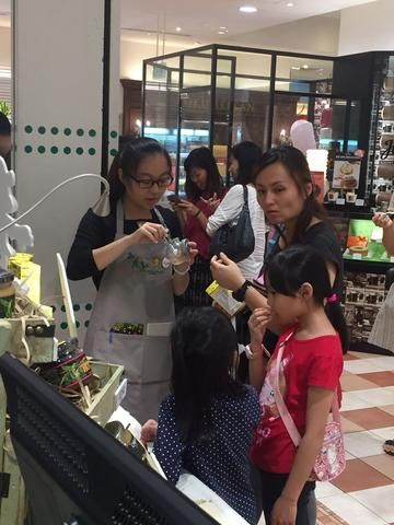 For those who had not got the chance to visit us at Takashimaya, there is...