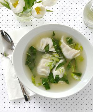 Let this delicious, SUPER easy soup recipe carry you through winter (we are)