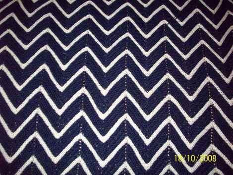 Crochet Pattern For Zig Zag Rug : chevron crochet crochet patterns Pinterest