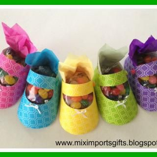 Baby Shower Favors - How to Craft Paper Baby Shoes