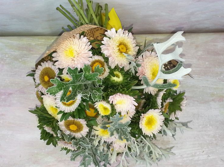 Savage garden flowers- special bouquet in unusual shades of yellow, grey and light brown.  #floraria #miozotis