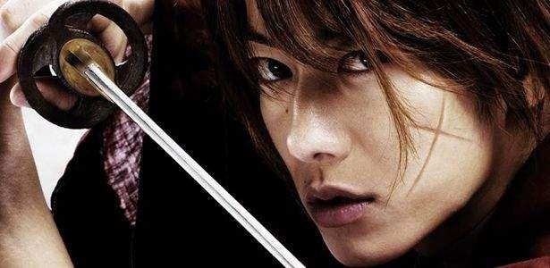 Isso mesmo! Rurouni Kenshin: Kyoto Inferno mal estreou no Japão e os produtores já anunciaram o terceiro filme que, de acordo com eles, encerrará a trilogia do Samurai X nos cinemas. Em seu fim de semana de estreia Kyoto Inferno arrecadou cerca de 8 milhões de dólares, o filme japonês mais lucrativo de 2014. O …