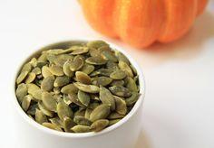 Se siete in vena di uno snack gommoso che funga anche da alimento salutare fenomenale, non cercareoltre i semi di zucca. Con una vasta gamma di sostanze nutritive che vanno dal magnesio e manganes…