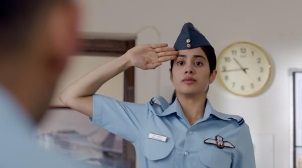 Gunjan Saxena The Kargil Girl Movie Review Janhvi Kapoor Pays An Honest Tribute Despite Turbulence In 2020 Girl Film Girl Movies Movies