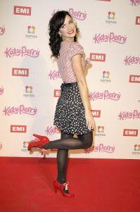 Katy Perry: Leg Pop Pose # 10