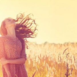 ccrescere l'autostima – I vantaggi di chi si auto stima  Accrescere l'autostima significa sentirsi bene con se stessi, essere a proprio agio e non temere il giudizio degli altri. Quante volte ti sei chiesto se sei una persona di valore?  Tutti abbiamo dei momenti della vita in cui perdiamo la fiducia in noi stessi e ci facciamo prendere la mano da comportamenti controproducenti che ci allontanano dal benessere.