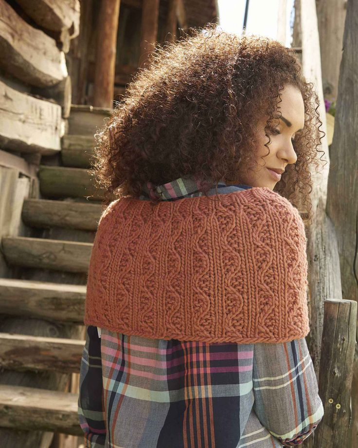"little waves cowl by carrie bostick hoge / from the book ""weekend wraps"" (interweave) / in quince & co. puffin, color clay"