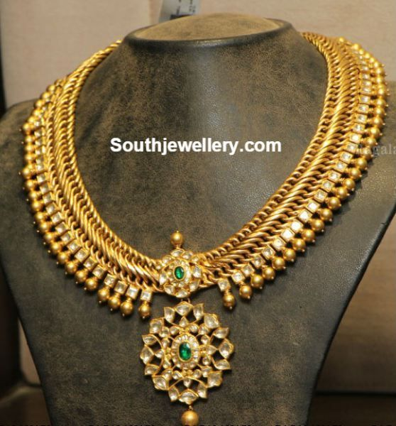 Diamond Indian Jewelry, Indian Ethnic, Indian Clothing, Gold Necklaces, Antique Gold Necklace, Antiques