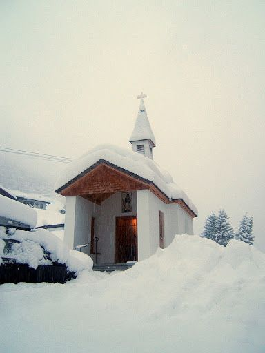 Travel and Lifestyle Diaries Blog: Austria: Tirol - Schwaz (Gerlos) - Chapel in Gerlos