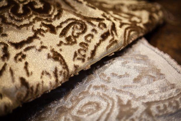 BROCHIER TERZO #fabric: a rich #silk jacquard #velvet, woven in precious 24k gold yarns. http://brochier.it/fabrics/fabric-search/j2937-terzo-001/