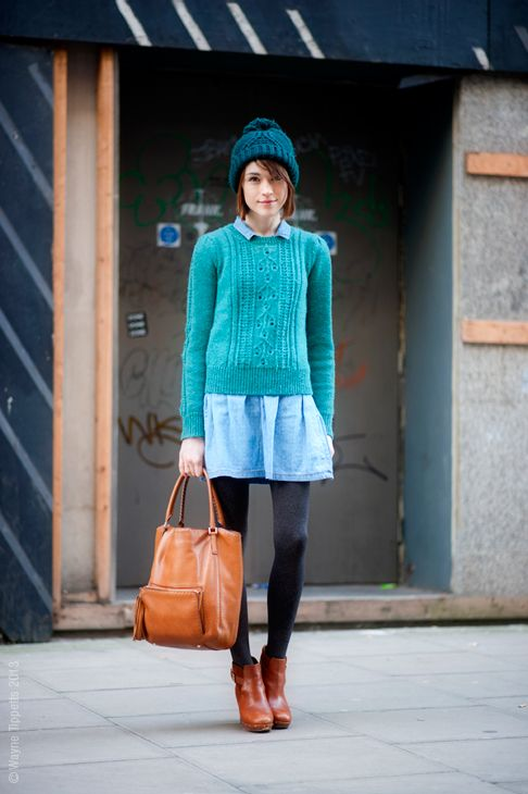 via streetstyle aesthetic. Love the mix of blue tones!