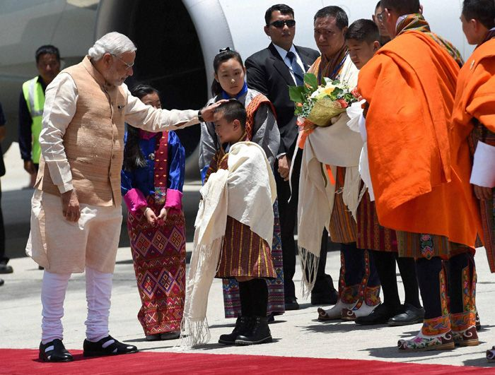 PM's Affectionate Gesture.